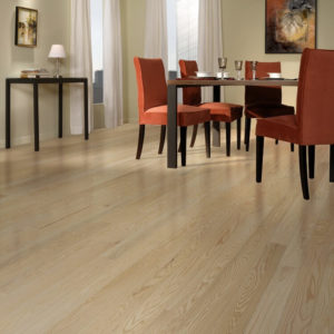 photo of wire brushed red oak flooring